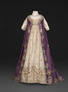 Evening dress ca. 1798-1800From the DAR Museum