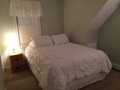 Airbnb in Marshfield, United States. $65 USD per night.   PEACEFUL ROOM is just right for 1 or 2. A Cape Cod style home that is as inviting as it gets. Ocean and restaurants, a 5 minute walk. Brant Rock is truly a little hidden jewel. - Get $25 credit with Airbnb if you sign up with this link http://www.airbnb.com/c/groberts22