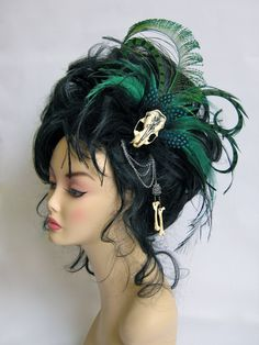 Peacock, emu and guinea fowl feathers, hand inked mink skull, mink bones, silver chain and hardware. Peacock and Emu feather Headpiece Crown Hairstyles, Feathered Hairstyles, Wedding Hairstyles, Feather Headpiece, Headpiece Jewelry, Wedding Headdress, Hair Jewelry, Jewlery, Feather Hair Pieces