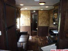 living quarters horse trailer