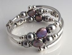 Embraceling - Light gray coin pearls (natural) with glass pearls