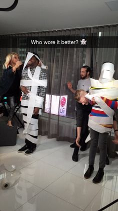 hey Avi who're you looking at? ;) #kavi I love how Kirstie had to stand on a stool and is still only as tall as Kevin