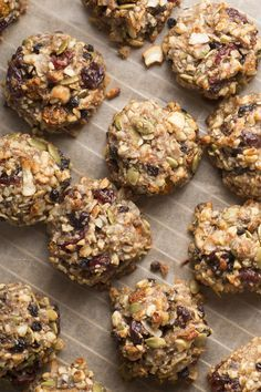 Superfood Breakfast Cookies Recipe - Thrive Market - Let's be real—who needs cereal when you can make these Superfood Breakfast Cookies instead? Source by bonniedatuin Healthy Bars, Healthy Cookies, Healthy Baking, Healthy Desserts, Breakfast And Brunch, Breakfast Bars, Breakfast Cookie Recipe, Cookie Recipes, Breakfast Recipes