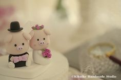 Handmade lovely piggy and piglet bride and groom wedding cake topper https://www.etsy.com/shop/kikuike?ref=listing-shop-header-item-count