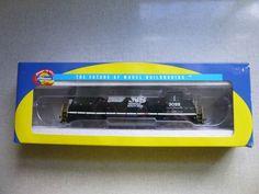 Athearn Norfolk Southern Horsehead GP40-2 3055 HO Scale Locomotive w/ Box…