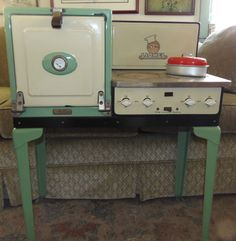 Child's Lionel Electric Stove-toys were so much cooler back then!