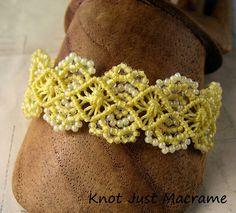 Primavera è sospesa in rilievo Micro Macrame - Anno di Jewelry Week 12