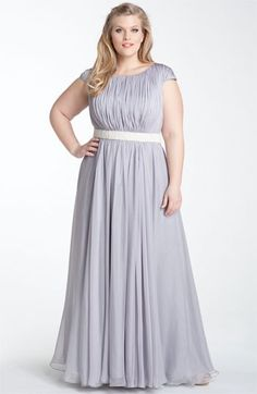 Plus size bridesmaid dress for conservative ladies. bridesmaid dresses plus size, bridesmaid gowns A Line Evening Dress, Evening Dresses Plus Size, Plus Size Dresses, Plus Size Outfits, Curvy Fashion, Modest Fashion, Plus Size Fashion, Cheap Fashion, Fashion Women