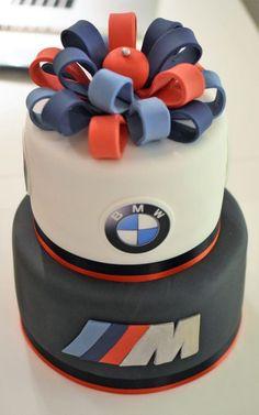 bmw birthday cake for kids - bmw birthday cake . bmw birthday cake for men . bmw birthday cake for husband . bmw birthday cake for boys . bmw birthday cake for kids Birthday Cakes For Men, Birthday Cake For Husband, Gold Birthday Cake, Bmw Torte, Bmw Cake, Ideas Decoracion Cumpleaños, Bithday Cake, Cake Decorating For Beginners, Cake Logo