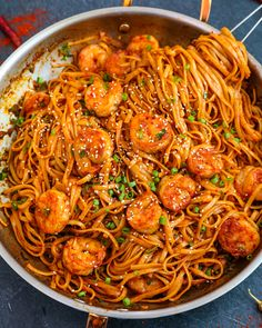 Shrimp Noodles, Garlic Noodles, Shrimp Pasta, Thai Pasta, Chicken Noodles, Keto Chicken, Spicy Noodles Recipe, Recipes With Rice Noodles, Dan Dan Noodles Recipe
