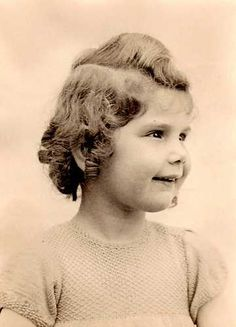 From Den Haag, Netherlands. 4 year old Lilian Maud Camnitzer was sadly murdered in Auschwitz on September 3, 1943 with her parents.