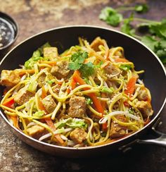 Get creative and add Quorn Chicken Meat Free Pieces to your chow mein for a delicious noodle dish. Enjoy your favourite meat free alternatives with Quorn. Vegetarian Chow Mein Recipe, Vegan Chow Mein, Vegetarian Recipes, Healthy Recipes, Savoury Recipes, Veggie Recipes, Asian Recipes, Vegan Vegetarian, Meatless Chicken