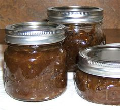 Confit D' Oignon - French Onion Marmalade / Seems similar to caramelized onion jam. Onion Marmalade Recipes, Ketchup, Confit Recipes, Onion Jam, Onion Relish, Tapas, Homemade Pickles, Pressure Canning, French Onion