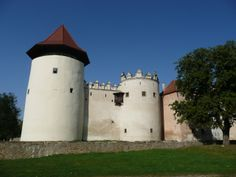 Slovakia Slovakia Travel Pour information Accéder à notre site Medieval Castle, History, Pictures, Vacation Travel, Cathedrals, Castles, Scotland, Travelling, England