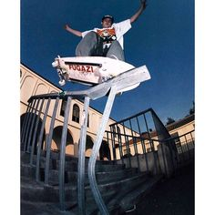 d Templeton at Huntington Beach High, Ed's friend Al works out there, and he lets them skate whenever they want. Photo by Skate Photos, Skateboard Pictures, Skateboard Art, Street Skater, Old School Skateboards, Skate And Destroy, Skate Shop, Skate Wheels, Dynamic Poses