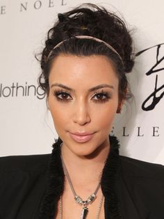 2 min Updo - This is a fast and effective way to style your hair if you are running late! #hair #hairstyles #hairaccessories #kimkardashian #bun #updo #hairinspiration #hairideas #workhair #office
