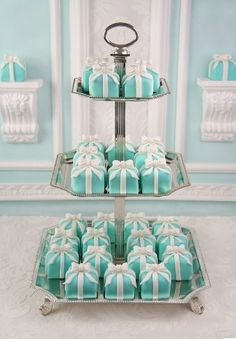 Tiffany cupcakes, so dainty and in my fav color combo