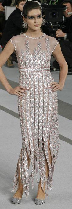 Chanel Haute Couture, V