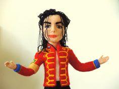 Needle Felted Animals, Felt Animals, Needle Felting, Michael Jackson Figure, Portraits From Photos, Felt Toys, Felt Art, Fabric Dolls, Felt Crafts