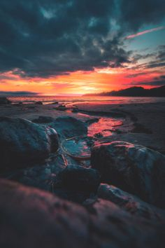 Just Everything Daily News Classy Issues Necessary Accessoires Clothing News Sneaker Releases Hypest Cars Food Coma House Inspos and a lot more pins to come! Beautiful Sunset, Beautiful World, Beautiful Places, Good Vibe, Pretty Sky, All Nature, Gods Creation, Wild Hearts, Belle Photo