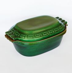 GIANT GREEN GLAZED CLAY POT - To sum it up the Claypot is easy to use, lasts long, and simply indispensable. We think that it's pointless to praise this excellent vessel since it praises itself and the right choice of the customer who buys it. Clay Pots, Casserole Dishes, Terracotta, Cookware, Coin Purse, Easy, Green, Stuff To Buy, Casseroles