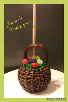 Easter themed chocolate dipped apple Chocolate Apples, Chocolate Caramels, Chocolate Covered Strawberries, Chocolate Dipped, Caramel Apple Slices, Apple Dip, Caramel Apples, Easter Recipes, Apple Recipes