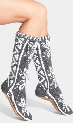 comfy winter slipper socks! http://rstyle.me/n/qwnrhr9te