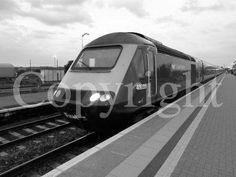 Class 43033 HST at Didcot. #britainsrailways #ukrailways #trains #railways #intercity125 #highspeedtrains #britainsrailways #ukrailways #trainsonpinterest #railwaysonpinterest  #travel #transport #britishtrains #englishtrains