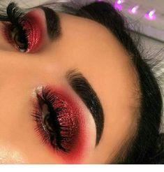 Red Glitter Cut Crease l Red Smokey Eyeshadow Erstaunliche Augen Make-up Designs von Tal Peleg Red Eye Makeup, Makeup Eye Looks, Cute Makeup, Pretty Makeup, Skin Makeup, Gorgeous Makeup, Awesome Makeup, 70s Makeup, Kawaii Makeup