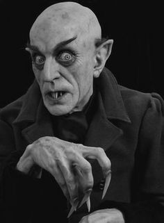 "Mike Hill's bust of Count Graf Orlock as portrayed by the actor Max Schreck in the 1922 film ""Nosferatu"". This face looks like the vampire of folklore just before the 1800's and the creation of Lord Ruthven by John Polidori in 1819."