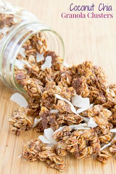 Personalized Graduation Gifts - Ideas To Pick Low Cost Graduation Offers Coconut Chia Granola Clusters - Add Serious Crunch Factor And Superfood Goodness To Your Breakfast Or Snack. Breakfast Recipes, Snack Recipes, Cooking Recipes, Paleo Breakfast, Healthy Snacks, Healthy Recipes, Free Recipes, Meatless Recipes, Ww Recipes