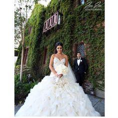 Layers and layers of goodness! Photo by  @jayjaystudios #weddingdress via @arsine_karozabridalinc • @beautybylindachiriac • @susanmeproduction #TheCoordinatedBride #wedding #weddinginspiration #coordinatedweddingdresses