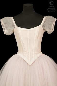 Dance Costumes Ballet, Tutu Ballet, Theatre Costumes, Costumes Avec Tutu, Dance Dresses, Prom Dresses, Ballet Russe, Ballet Fashion, Ballet Beautiful