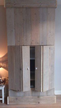 CreaKip: TV meubel van steigerhout