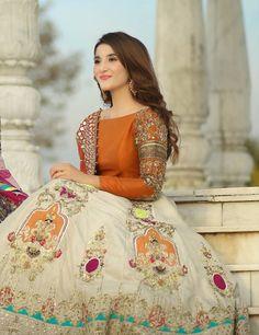 Pakistani Fashion Party Wear, Pakistani Dresses Casual, Pakistani Wedding Outfits, Pakistani Dress Design, Bridal Mehndi Dresses, Bridal Dress Design, Wedding Dresses For Girls, Mayon Dresses, Shadi Dresses