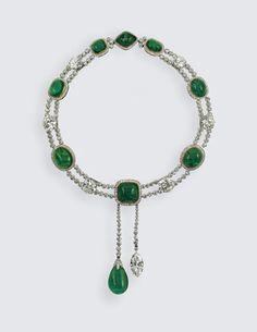 Delhi Durbar Necklace with Cullinan VII Pendant. Garrard & Co. Ltd, 1911. Diamonds, emeralds, platinum, gold; 46 cm long.  Royal Collection © Her Majesty Queen Elizabeth II