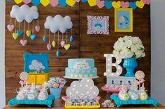 "23 curtidas, 1 comentários - Folia Press Fotografia (@foliapress) no Instagram: ""Chá de revelação Bárbara e Del. É menina! Bella vem aí! #chaderevelacao #cháderevelação…"" Sunshine Birthday, Baby Shower, Rainbow Birthday, 1st Birthday Parties, Mini, Cake, Party, Prince, Instagram"
