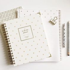 Nothing better than a fresh start. #newplanners #planneraddict #plannerlover #2016 #newyear #newadventuresahead #augustandmaydesignco #goalsetting #foundforaged #organizedlife #sheplans