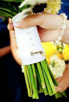 I should have done this for my wedding... Kappa Kappa Gamma #keypin #wedding #kkg