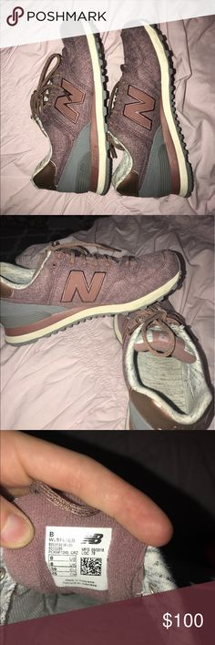 New Balance 574 women's size 8 ONLY WORN TWICE and can be easily cleaned!! make offers!! New Balance Shoes Sneakers