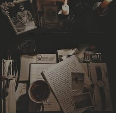 Brown Aesthetic, Aesthetic Vintage, Aesthetic Pictures, Aesthetic Themes, Light In The Dark, Ideas, Wallpapers, Bookstagram, Room