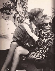 "Barbara Hutton leaves the Plaza Athenee in the arms of her chauffeur-secretary,""the only man who refused to marry her"""