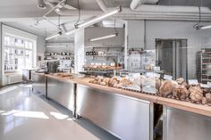 Wood oven bakery Jung by John Baker - KlusplatzJohn Baker - Stadelhofen Mint Green Walls, Wood Oven, Bakery Cafe, Fresh Bread, Studio, Branding Design, Flooring, Interior Design, Kitchen