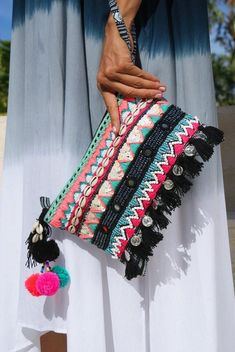 Tassels pouch/Beaded purse/bohemian pouch tassels/Summer pouch/Purse boho * REBECCA POUCH - new site Beaded Purses, Beaded Bags, Purses Boho, Coin Purses, Sacs Design, Do It Yourself Inspiration, Diy Clutch, Embroidery Bags, Boho Bags