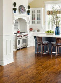 Helorus Hickory: Tuscan Plank Bella Cera
