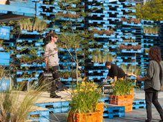 Gap Filler Summer Pallet Pavilion - Photo: Guy Frederick, 2012