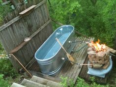 Outdoor tub, with fire system to warm the water. Outdoor tub, with fire system to warm the water. Outdoor Bathtub, Outdoor Bathrooms, Outdoor Showers, Outdoor Spaces, Outdoor Living, Pergola, Japanese Soaking Tubs, Stock Tank Pool, Saunas