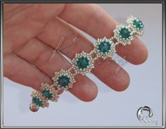 Not a pattern. Seed Bead Patterns, Jewelry Patterns, Bracelet Patterns, Beaded Earrings, Beaded Jewelry, Handmade Jewelry, Beaded Bracelets, Jewelry Making Tutorials, Beads And Wire