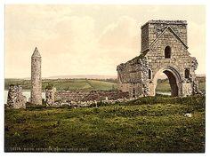 [Devenish Island ruins, Lough Erne. County Fermanagh, Ireland]