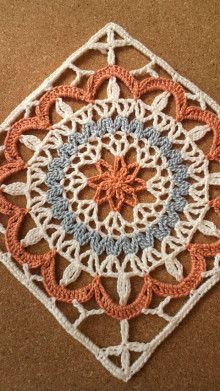 This Pin was discovered by оль Crochet Square Patterns, Crochet Blocks, Crochet Squares, Crochet Blanket Patterns, Crochet Motif, Crochet Stitches, Knit Crochet, Knitting Patterns, Crochet Granny